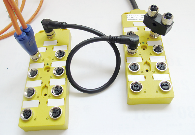 co-fly的连接系统具有完整的产品线,以便满足不同客户、不同现场的方案解决,产品包括多种预注出线连接器、现场接线型连接器、分线盒系列连接 器以及附件产品