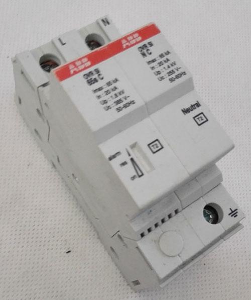 ⑸残压ur指在额定放电电流in下的残压值.